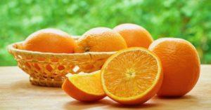 Consumir el jugo de naranja es saludable
