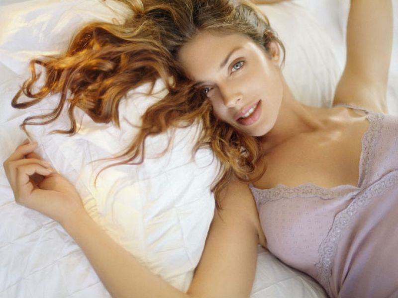 Los senos en la mujer son sinónimo de sensualidad, un icono femenino que no debemos descuidar. Incluso, queremos decirte que no es necesario que recurras al bisturí para aumentar su tamaño, con este maravilloso artículo conocerás las mejores cremas naturales para aumentar el busto.