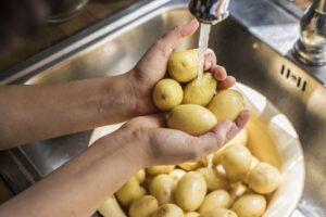 Cómo limpiar la patata
